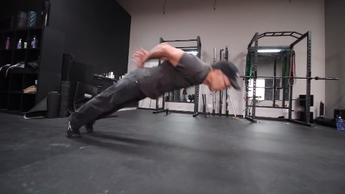 Amazing 60 Year Old Training - Barstarzz